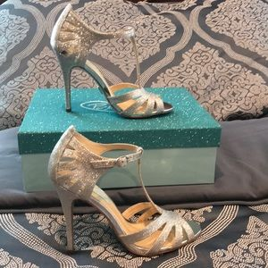 Betsey Johnson SB Tee Sandal